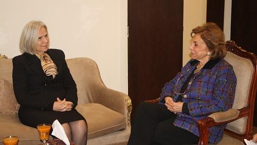 السفيرة مرفت تلاوي تستقبل رئيس وفد جامعة الدول العربية لمتابعة الإنتخابات