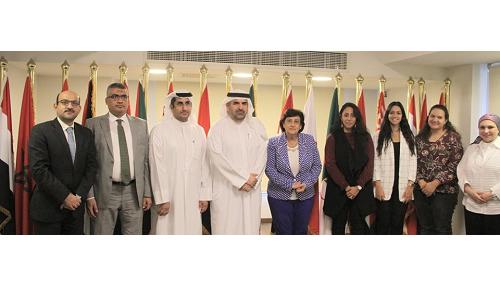 """وفد من """"مؤسسة محمد بن راشد آل مكتوم للمعرفة """" في اجتماع عمل مع منظمة المرأة العربية"""